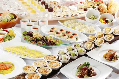 NEW‼ 平日限定 お野菜たっぷり前菜ブッフェ&おいしいパンとスイーツ【6月】