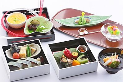 奉祝 御即位 鯖寿司のお祝い二段重